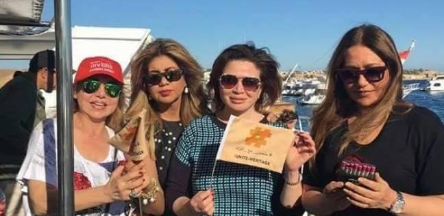 صورة| إلهام شاهين وليلى علوي في رحلة بحرية بمهرجان شرم الشيخ
