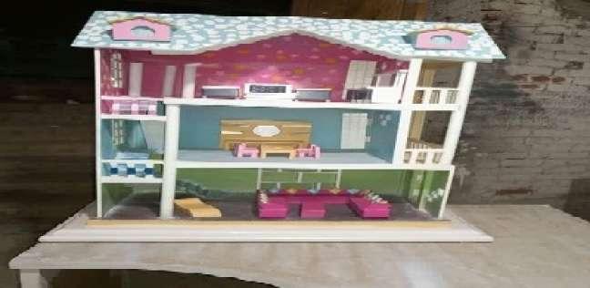 ورشة نجارة تحول ديكورات «باربى» إلى أثاث: المطبخ 60 سم والسرير 40 سم