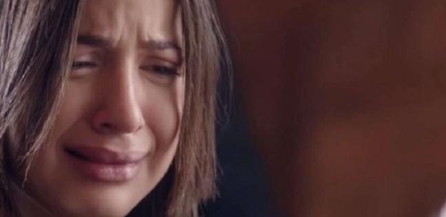 """منى وشيما في """"عنبر الآداب"""".. بكاء وعزلة ورفض لتناول الطعام"""