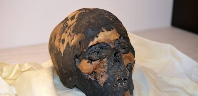 مصر تتسلم ثلاث قطع أثرية هربت من مصر في القرن الماضي