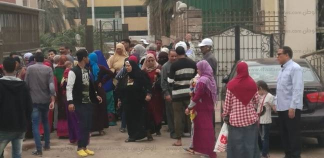 d08231d0d الوطن | الانتخابات | مغتربون أمام لجان الهرم يطالبون السماح لهم بالتصويت