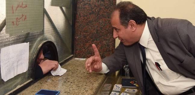 محافظ الإسكندرية يعاقب محطة وقود: لن نتهاون في حقوق المواطن