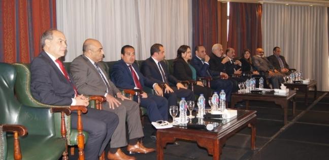 """اتفاق بين غرفة السياحة و""""مصر للطيران"""" تدفع الحركة السياحية بمصر للأمام"""