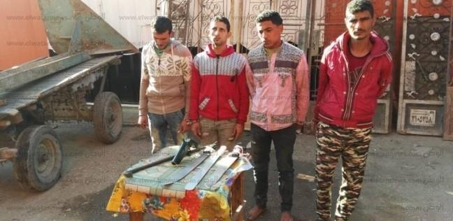 تجديد حبس 4 عاطلين كونوا تشكيلا عصابيا لسرقة بوابات المقابر في المحلة