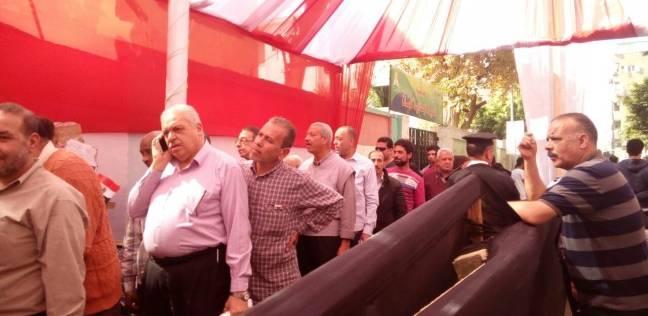 """استمرار توافد الناخبين في الأزبكية.. وناخبة لـ""""الوطن"""": """"بحب السيسي"""""""