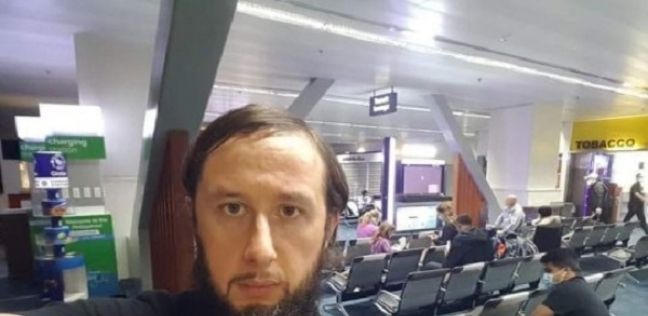 كورونا يتسبب في احتجاز رجل بالمطار لمدة 110 أيام: نفسي أشوف الشمس