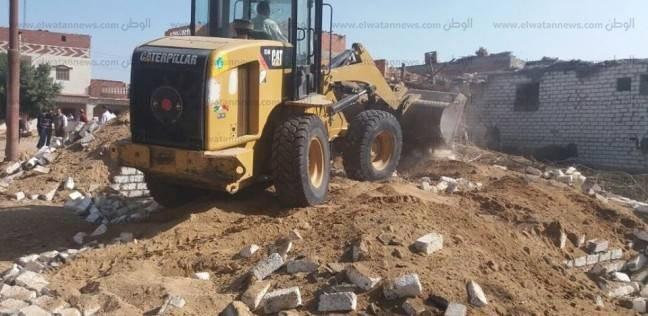 إزالة 144 حالة بناء مخالف على الرقعة الزراعية بالبحيرة