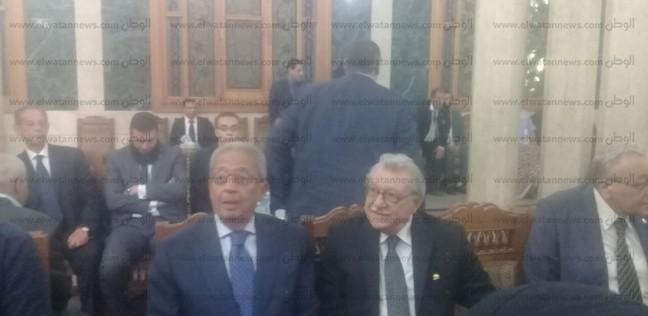 رغم الخلافات.. عزاء شقيق أبوشقة يجمع فؤاد ورئيس حزب الوفد