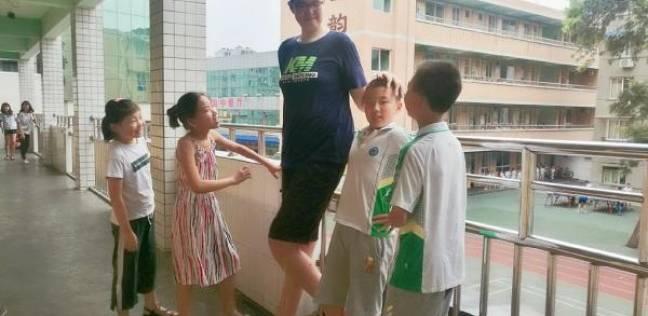 أطول تلميذ في الصف السادس على مستوى العالم
