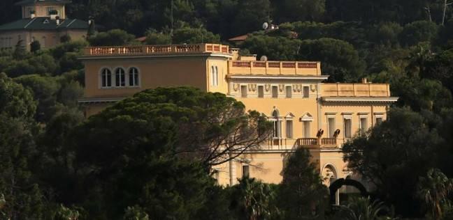 لقطة من خارج القصر