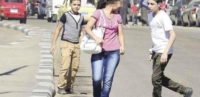"""""""اعتدى على والد إحداهن بمطواة"""".. تفاصيل تحرش شاب بـ 4 فتيات في المرج"""
