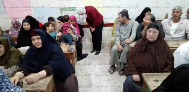 رئيس مدينة الحامول تتابع نسبة حضور فصول محو الأمية بالزعفران