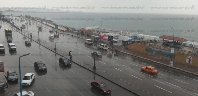 بالصور| أمطار غزيرة في كفر الشيخ والدفع بسيارات لشفط المياه