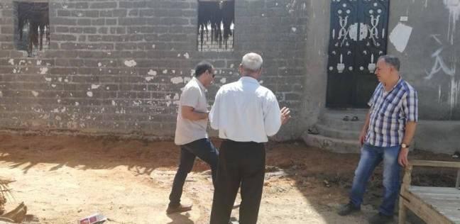 حصر المنازل المتضررة من المياه الجوفية بقرية أتليدم في المنيا