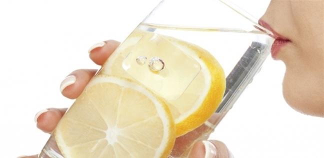 عصير الليمون يؤدي لتسوس الأسنان