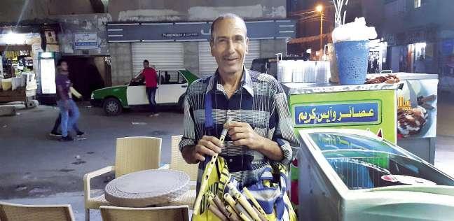 «حلاوة» يتجول بالمزمار فى شوارع الإسكندرية