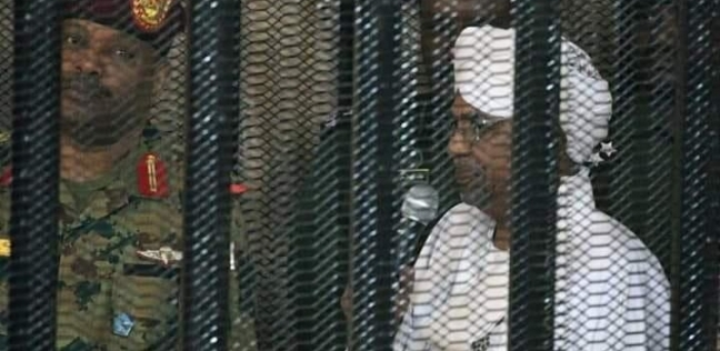 محلل سوداني: البشير يدفع ثمن جرائمه في حق شعبه