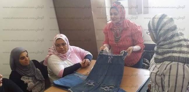 """""""إعادة تدوير الملابس"""".. دورة تدريبية بكلية التربية بجامعة القناة"""