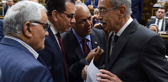 شريف إسماعيل: حريصون على التواصل مع العمال للاستماع إلى مطالبهم وحلها