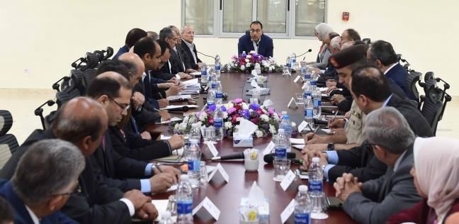 """مدبولي و5 وزراء يبحثون الاستعداد لـ""""التأمين الشامل"""" في بورسعيد"""
