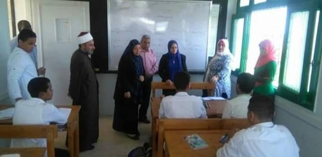 عضو المكتب الفنى بقطاع المعاهد الأزهرية تتفقد معاهد سفاجا