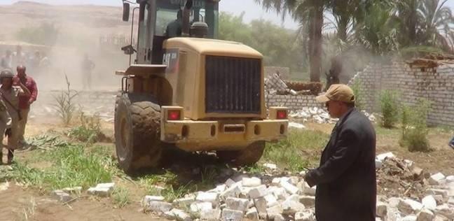 إزالة 5 حالات تعدي وتحرير 273 محضر إشغال بمركز الفتح في أسيوط