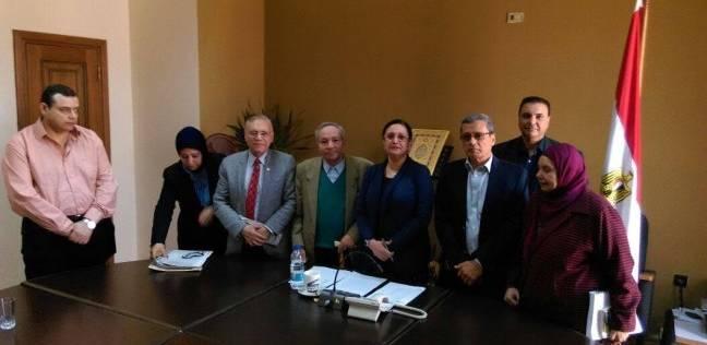 رئيس أكاديمية الفنون تجتمع بأعضاء هيئة تدريس مركز اللغات والترجمة لبحث مطالبهم