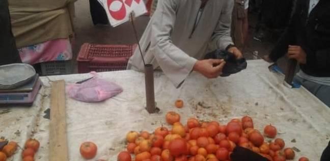 """""""عيش ببلاش"""" وسلع مخفضة.. عروض الحرب على الإرهاب بأسواق سيناء"""