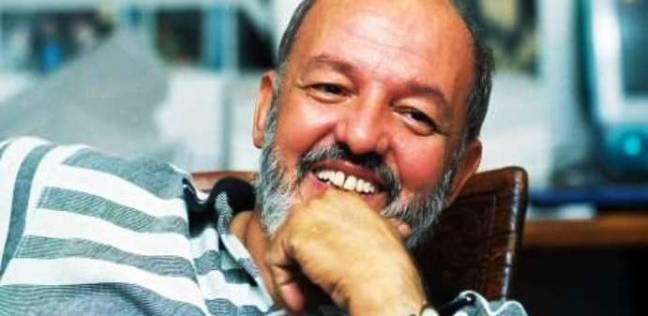 محمود عبد الشكور عن خان: من صنع أفلاما تحتفي بالإنسان أبدا لا يموت