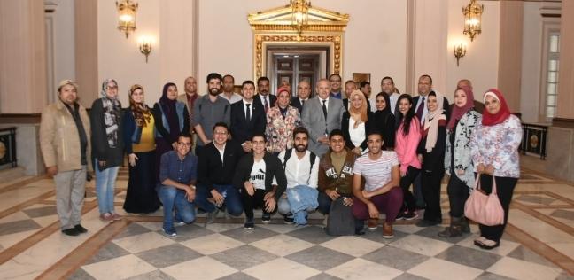 الخشت يلتقي اتحاد طلاب جامعة القاهرةلبحث الأطر العامة للنشاط الطلابي