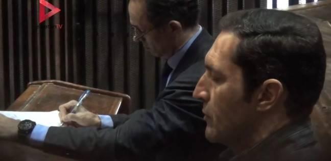 """تأجيل محاكمة """"علاء وجمال مبارك"""" في """"التلاعب بالبورصة"""" للغد"""