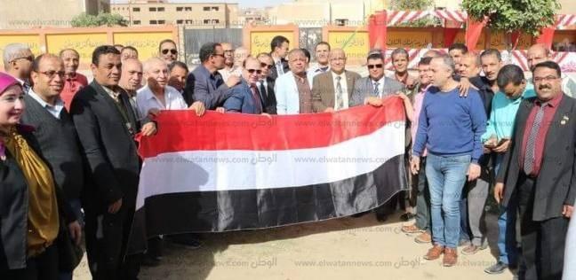 نقيب المعلمين يحث معلمي حلوان على الحشد أمام لجان الاقتراع بالانتخابات