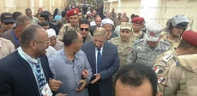 بالصور| محافظ الإسماعيلية يتفقد لجان الانتخابات