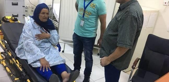 بالصور| وصول الحجاج المصريين المصابين إلى منفذ العقبة