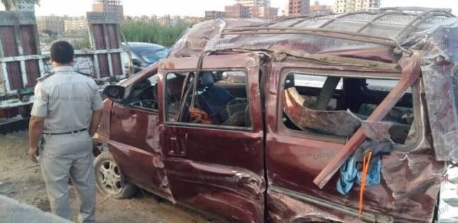 """تحريات حادث المنيا: اصطدام """"ميكروباص"""" بسيارة محملة طوب حجري"""