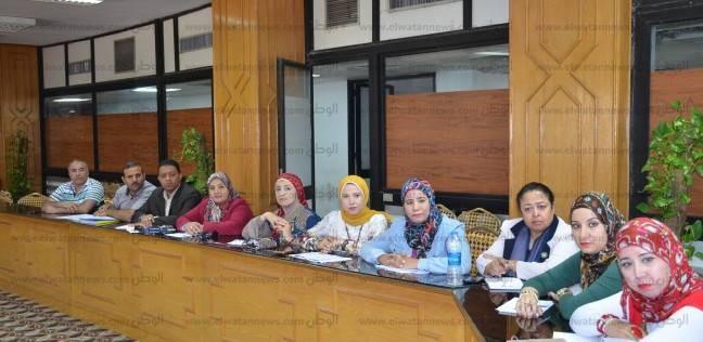 بالصور| محافظ الإسماعيلية يناقش خطة إصلاح الإدارة والتنمية المحلية