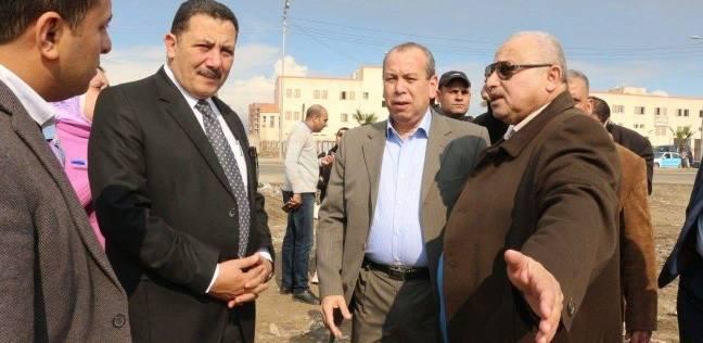 محافظ دمياط يتابع أعمال النظافة في منطقة شطا