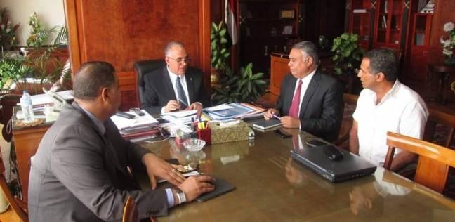 """وزير الري يناقش التصدي للتعديات على النيل وأعمال ممشى """"أهل مصر"""""""