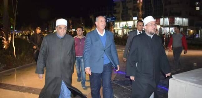 المحافظ ووزير الأوقاف يتفقدان الممشى السياحى بشارع النصر بالغردقة