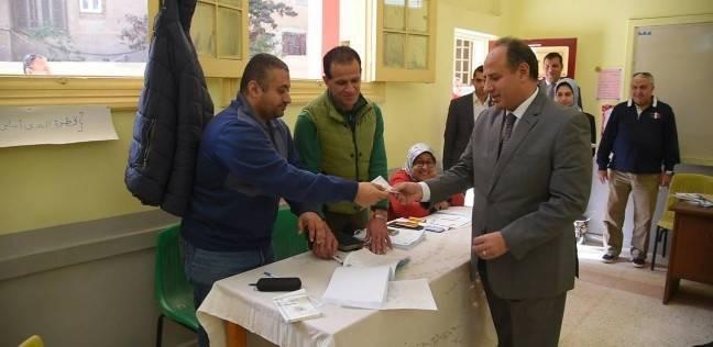 محافظ الإسكندرية بعد الإدلاء بصوته: صوتكم أمانة نحاسب عليها جميعا