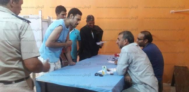 الكشف على 109 سجناء وأفراد شرطة في مركز شرطة نجع حمادي