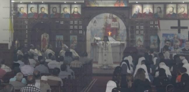بطريرك الكاثوليك يترأس قداسا على أرواح 3 كهنة توفوا في حادث بسوهاج