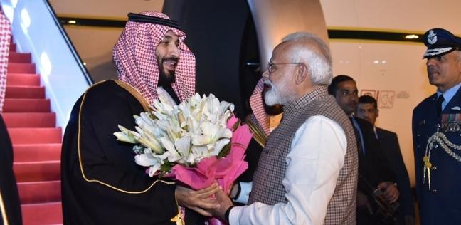 بالفيديو| رئيس وزراء الهند يتجاوز البروتوكول ترحيبا بـ محمد بن سلمان