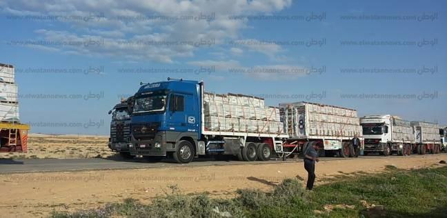 279 شاحنة بضائع مصرية تعبر منفذ السلوم من وإلى ليبيا