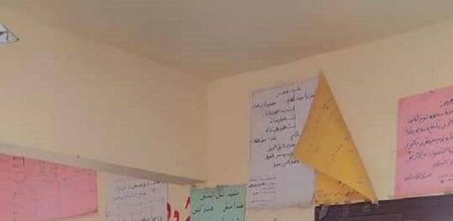 موجه قبطي يوزع «فوانيس رمضان» بمدرسة في بني سويف:عملتهم بنفسي لإسعادهم