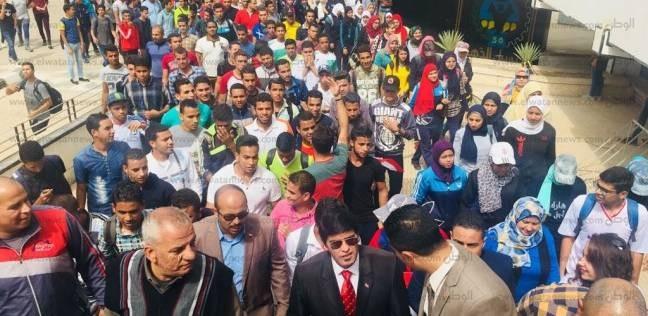 """""""صوتك أمانة"""".. مسيرة طلابية للحث على المشاركة النتخابية في جامعة أسيوط"""