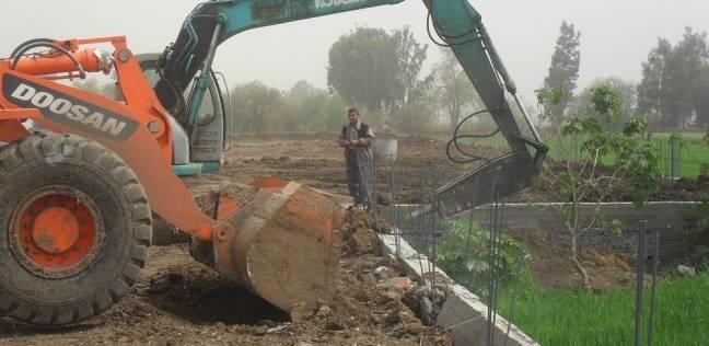 تنفيذ إزالة 22 حالة تعد على الأرضي الزراعية وأملاك الدولة بكفر الشيخ