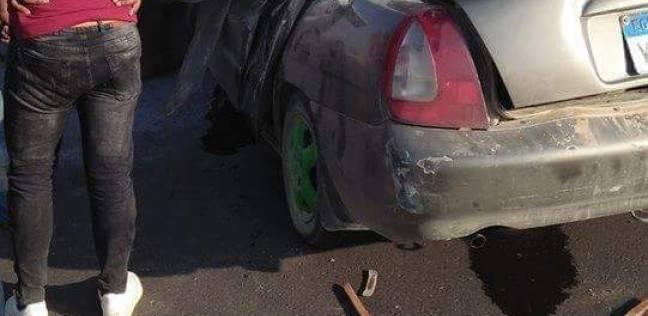 """مصرع شخصين وإصابة 5 آخرين في انقلاب سيارة على """"قنا–سوهاج"""" الصحراوي"""