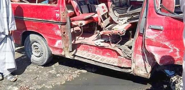 إصابة عضوين بلجنة إدارة امتحانات الثانوية العامة إثر حادث تصادم بسوهاج
