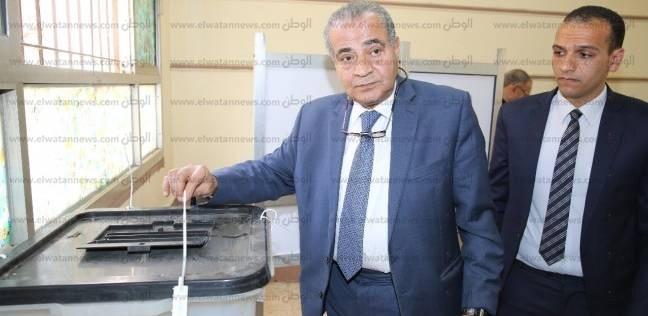 """وزير التموين يتابع انتخابات الرئاسة بمسقط رأسه في """"أبو كبير"""" بالشرقية"""